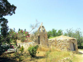 01 церковь в пещере