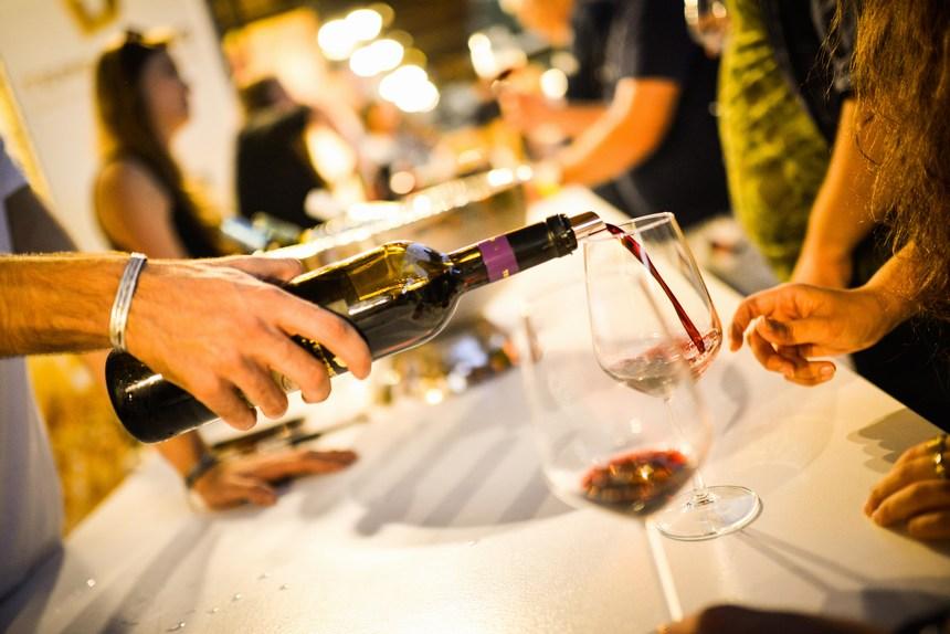 Праздник вина, виноградной лозы в Тель-Авиве в Суккот