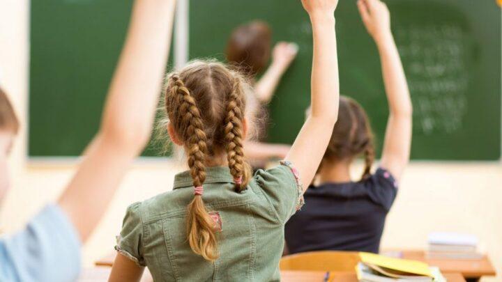 Важное сообщение из муниципалитета: детям — в школу! Мэр Эйнат Калиш-Ротем об открытии всех школ города